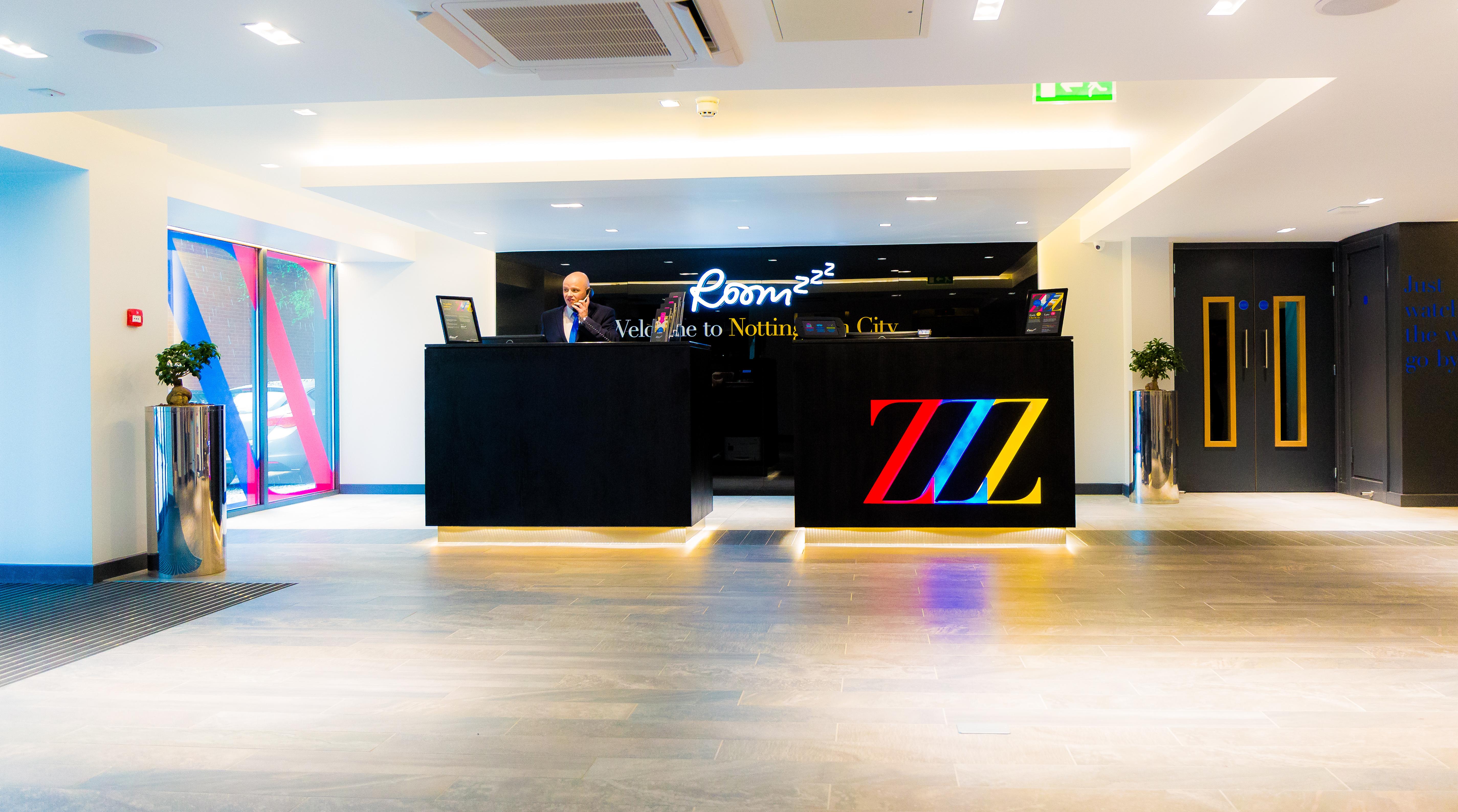 Roomzzz Aparthotel, Nottingham